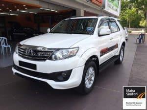 Toyota Fortuner 2.7V TRD (A) White 2015 2