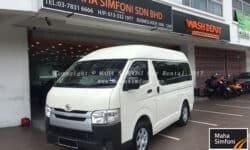 Toyota Hiace 2.5 Petrol (M) -13 Seater – White